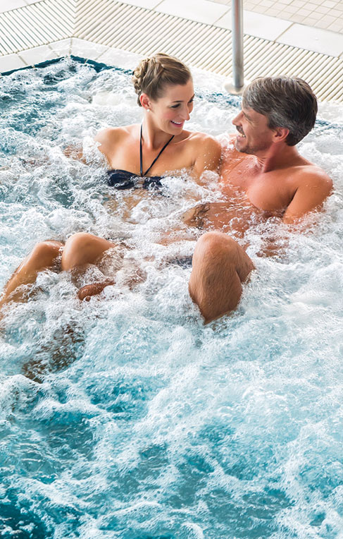 Paar im Whirlpool